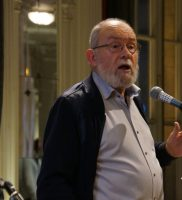 Juryvoorzitter Jaak Billiet reikt de Thesisprijs 2017 uit